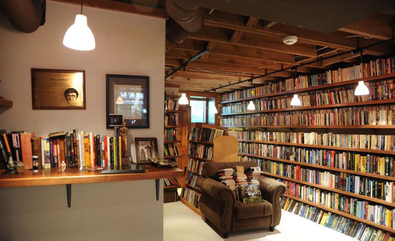 Gaiman_Library