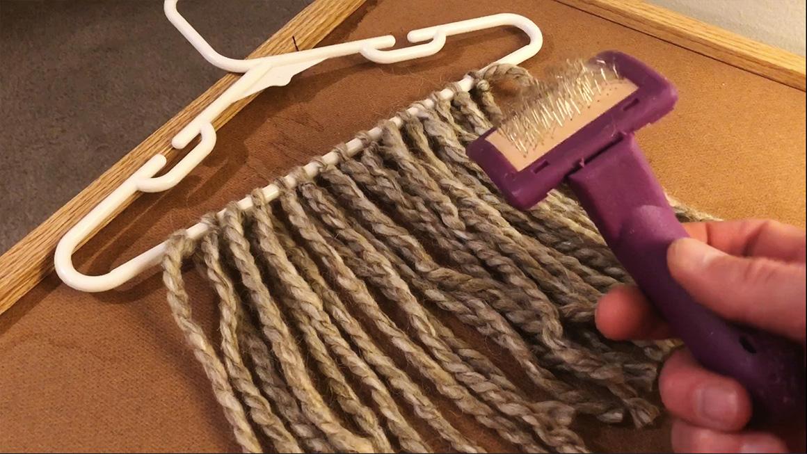 Haircombing_01